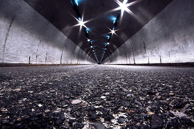 tunnel-924070_640